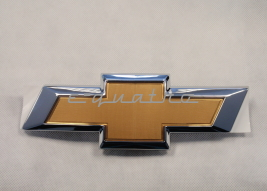 "EMBLEMAT ""CHEVROLET"" ATRAPY CHŁODNICY CAPTIVA 2011-"